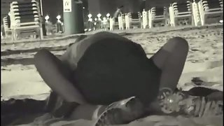 First-timer voyeur fucky-fucky movie in public on the beach at night