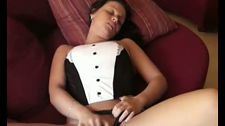 Amateur masturbating herself to a great ejaculation