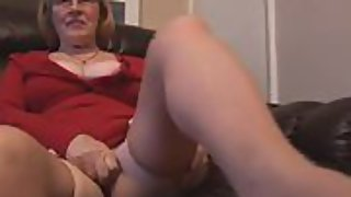 Sil denny plays with her hairy mature pussy