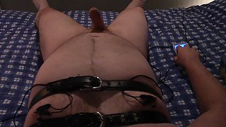 Cumming to orgasm with estim on nips with bi polar clamps