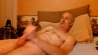 Jerking my shavedcock and lovin' it