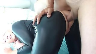 Wifes ebony leather outfit gets her pussy drilled