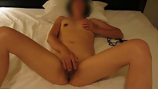 Chinese wifey frolicking with her pussy in bed with her finger self service 2