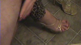 Amateur house wife blow-job and foot job towheaded wants man-meat