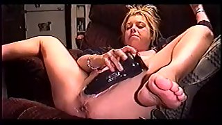 Wife slut opening up legs and dildoing her raw twat