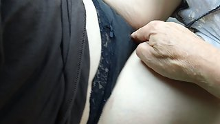 Sexy time in my car with nice girlfriend probing her cunt with finger