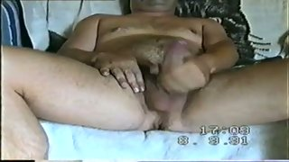 Mature amateur porn wife has a hairy vagina