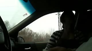 Crazy gf gives her boy an extraordinaire oral pleasure in the car