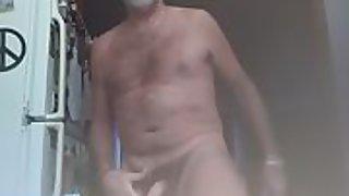 Danrun erupts his jummy spunk in the kitchen