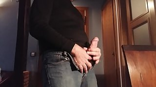Jerking off and cumming to swapsmut porn
