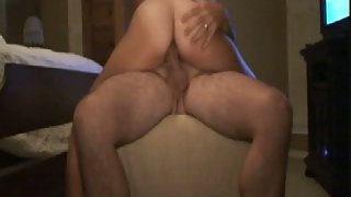 Amateur anal riding on top with anal invasion butt plug stuck up her booty