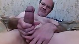 My daddy cock hard and huge ready for you
